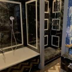 baño marmol hotel
