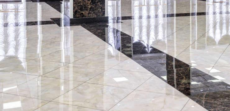 suelo mármol brillante